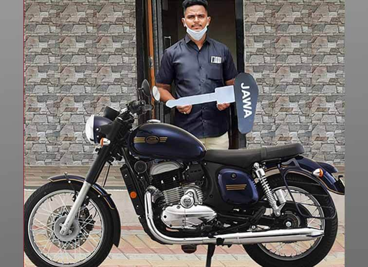 Mayur shelke has been gifted a Jawa 42 as part of JAWA heroes initiative